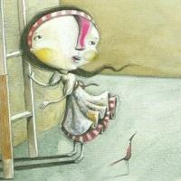 Una ragazza, una scala, un sogno. Un sorriso che incanta